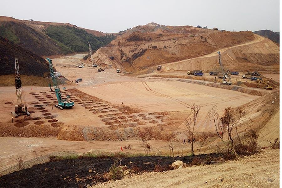 广西梧州机场强夯施工现场